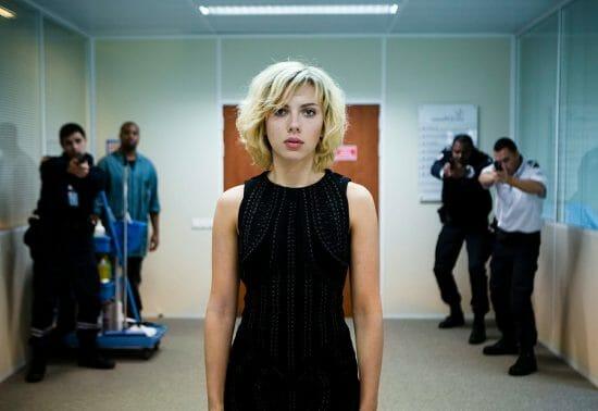 Lucy-Scarlett-Johansson-Luc-Besson