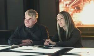 Hunger-Games-la-révolte-1-Seymour-Hoffman-Moore